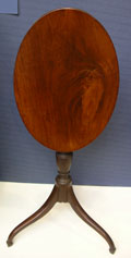 Mahogany Hepplewhite Tilt Top Candlestand with Spade Feet